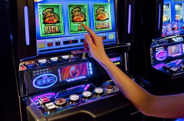 Будь на гребне азартной волны вместе с казино онлайн Вулкан Делюкс