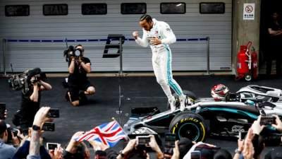 Формула-1: Хэмилтон возглавил личный зачет, «Мерседес» доминирует в Кубке конструкторов