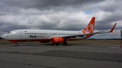 Украинская авиакомпания получила свой седьмой самолет