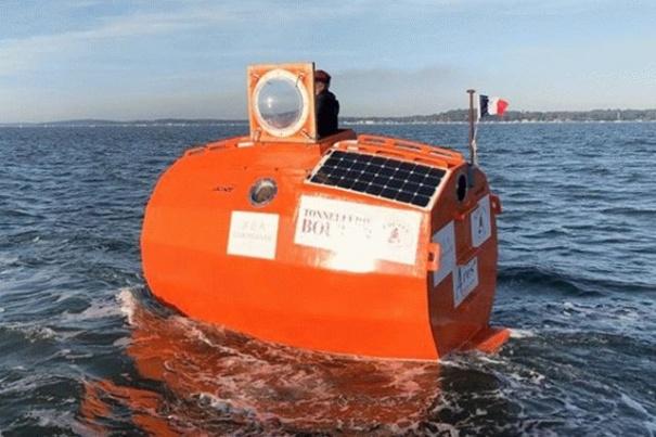 Французский пенсионер в бочке переплыл Атлантический океан