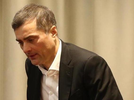 Помощник Путина Сурков подал в отставку