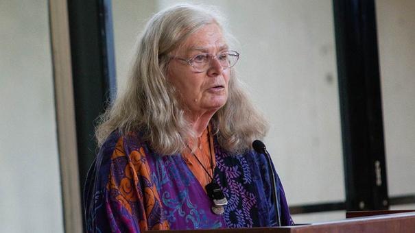 Абелевскую премию по математике вручили Карен Уленбек