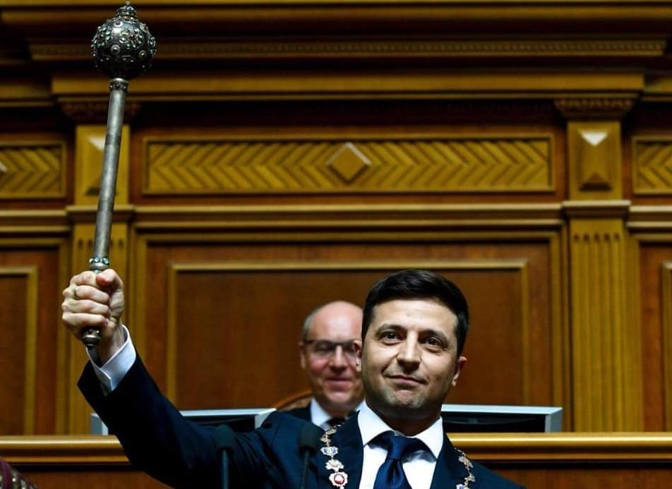 На сайте президента запустили петицию за отставку Зеленского