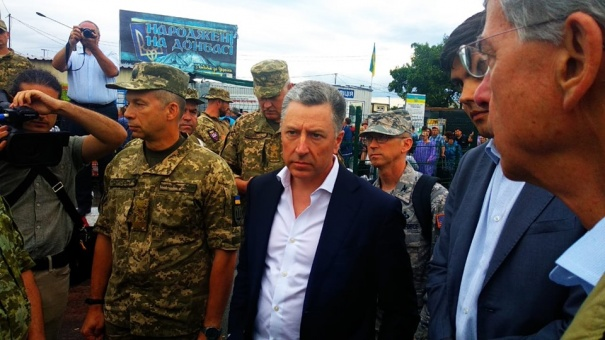Волкер и Тейлор провели встречу с командующим ООС