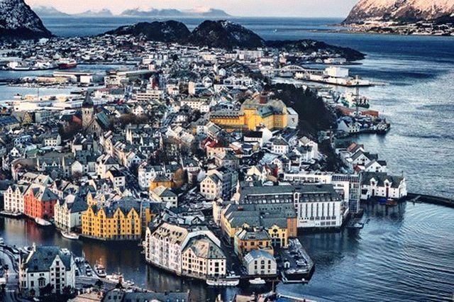 Порошенко с семьей отдыхает в норвежских фьордах
