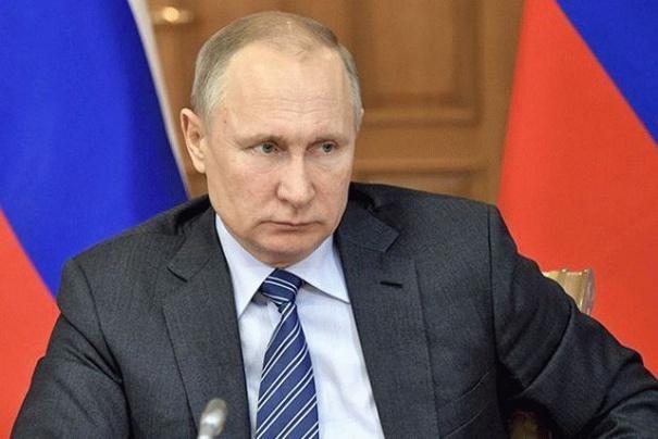 Рейтинг Путина упал до минимума