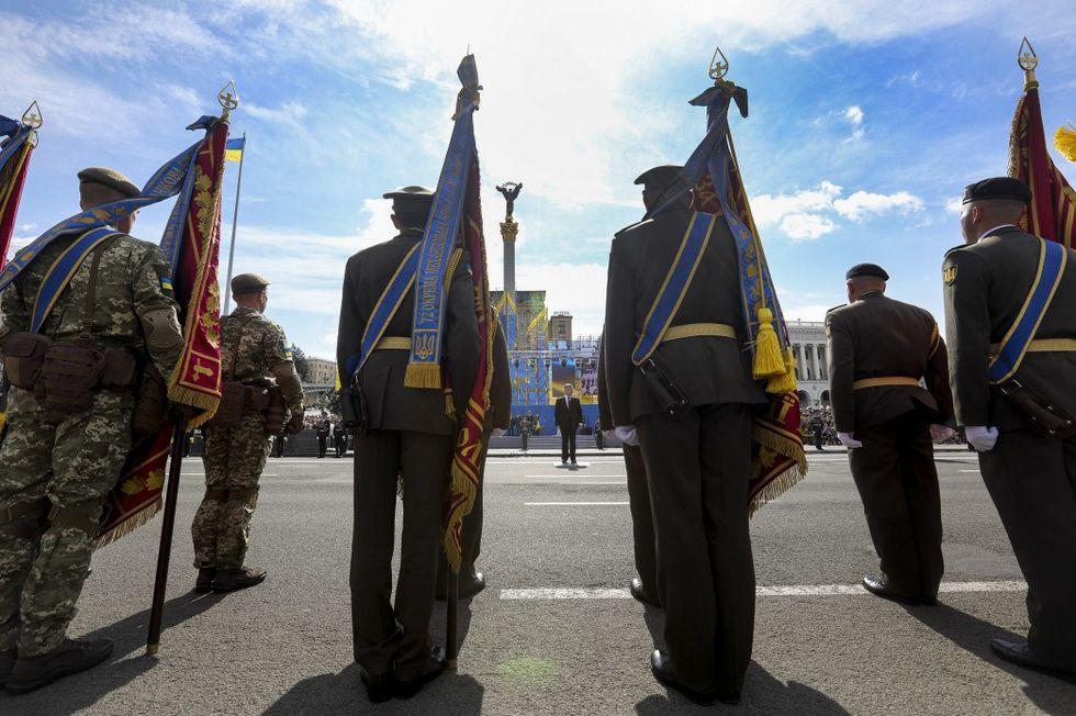 Установлены размеры премий военным ко Дню независимости