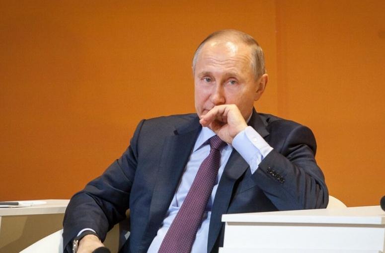 Три тяжелых удара по Путину за день