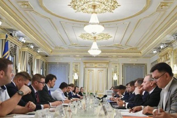 На совещании у Зеленского выяснили, что формула «Роттердам+» очень выгодная