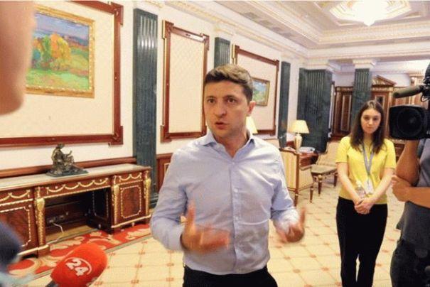 Зеленский забраковал идею с переездом в Украинский дом