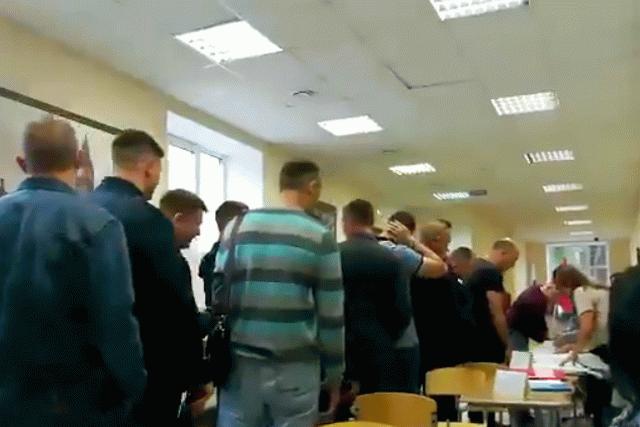 В РФ на избирательном участке умер кандидат в депутаты