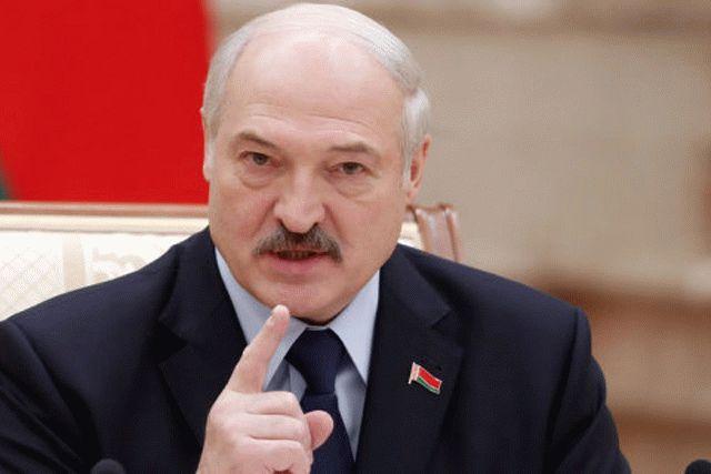 Лукашенко пригрозил НАТО нанесением ущерба за размещение танков в Литве