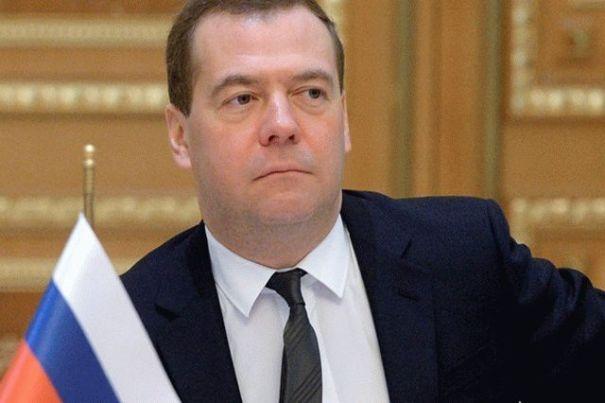 Медведев заявил, что не завидует Зеленскому