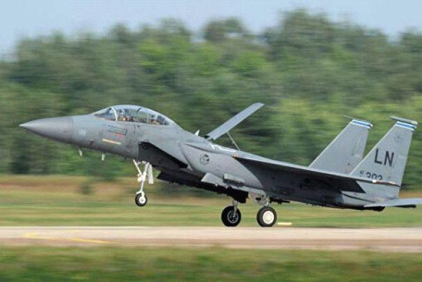 Истребители США разбомбили в Сирии собственную военную базу