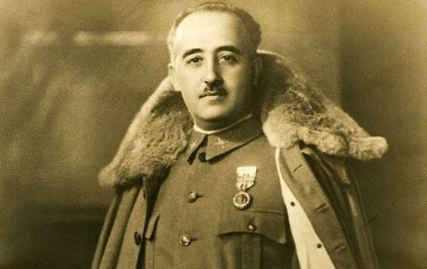В Испании эксгумировали останки диктатора Франко