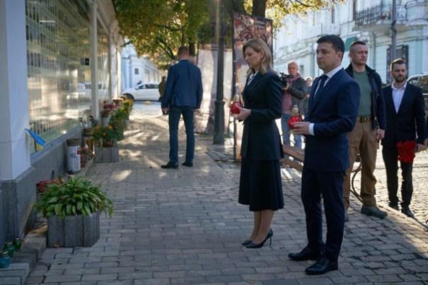 Во время вече в Киеве Зеленский будет на Донбассе