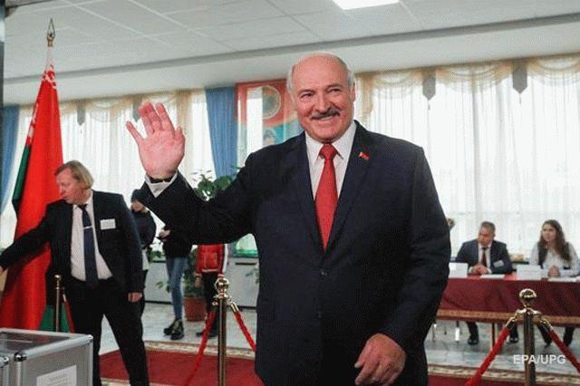 Лукашенко объяснил, почему Россия аннексировала Крым