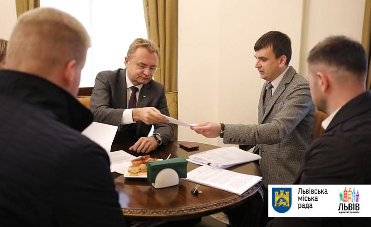 Суд принял решение по мэру Львова Садовому