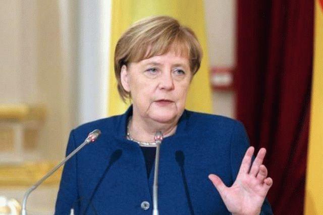 Меркель высказалась о снятии санкций против России