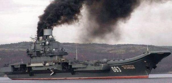 В России загорелся единственный авианосец «Адмирал Кузнецов»