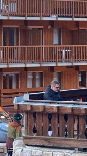 Обнародованы фото отдыха главы СБУ в Куршевеле