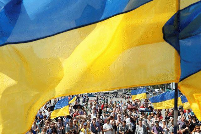В Украине больше молодых мужчин и пожилых женщин