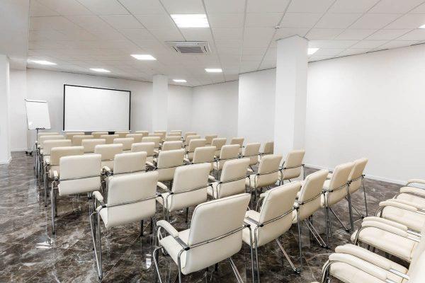 Удобный конференц-зал для ваших целей