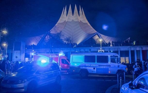 В Германии неизвестные застрелили восемь человек