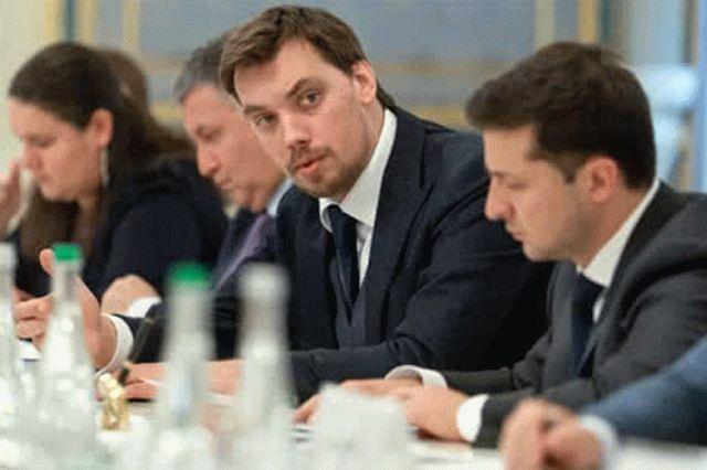 Доверие к власти в Украине стремительно падает: результаты нового социсследования