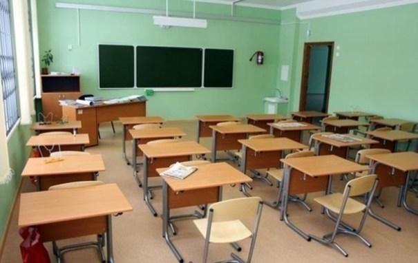 Школьникам и студентам продлили карантин до конца апреля
