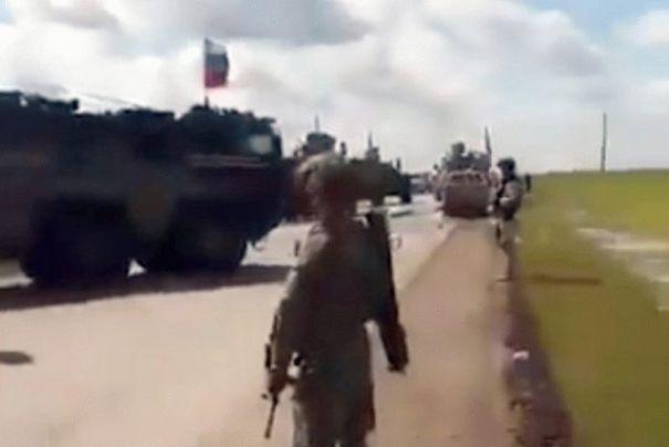 В Сирии произошло столкновение между военными США и РФ: видео