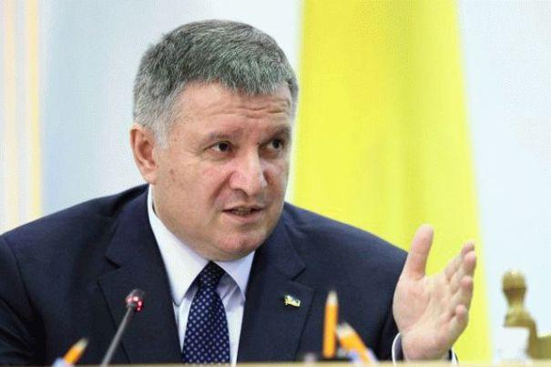Аваков пригрозил мэру Черкасс жесткой реакцией за ослабление карантина
