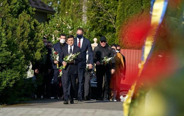 Зеленский пообещал установить колокола в Донецке и Симферополе
