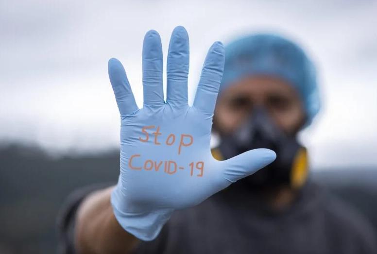 В США от коронавируса умерли уже 100 тысяч человек