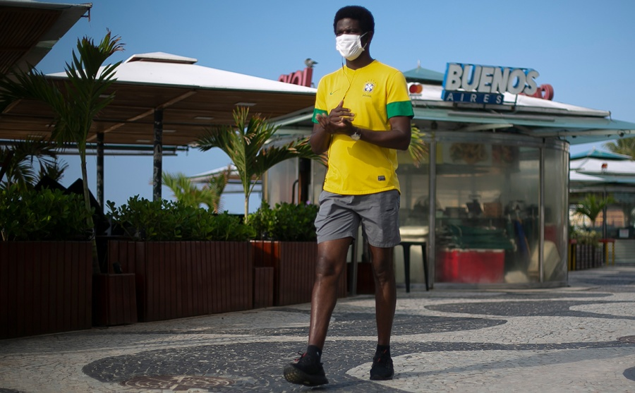 Бразилия стала шестой страной в мире, где от коронавируса умерли больше 20 тысяч человек