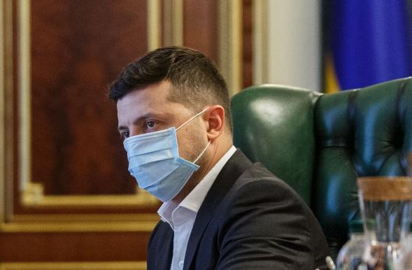 Зеленский не поедет на парад в Минск: озвучена причина