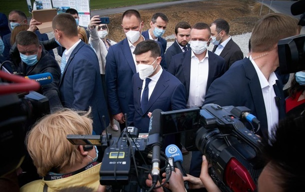Зеленский объяснил отказ от идеи заразиться коронавирусом