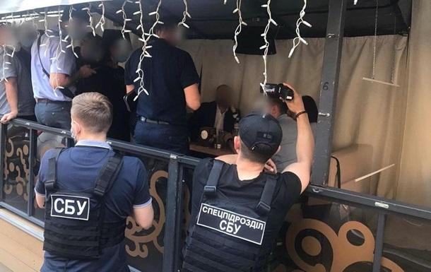 В Украине на взятке задержали действующего губернатора