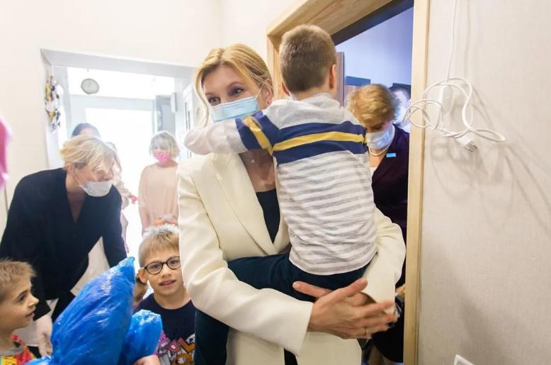 Первая леди Елена Зеленская заболела коронавирусом