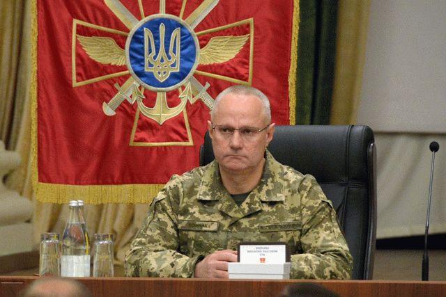 Хомчак: президент создает такую ситуацию, чтобы Россия убралась с Донбасса