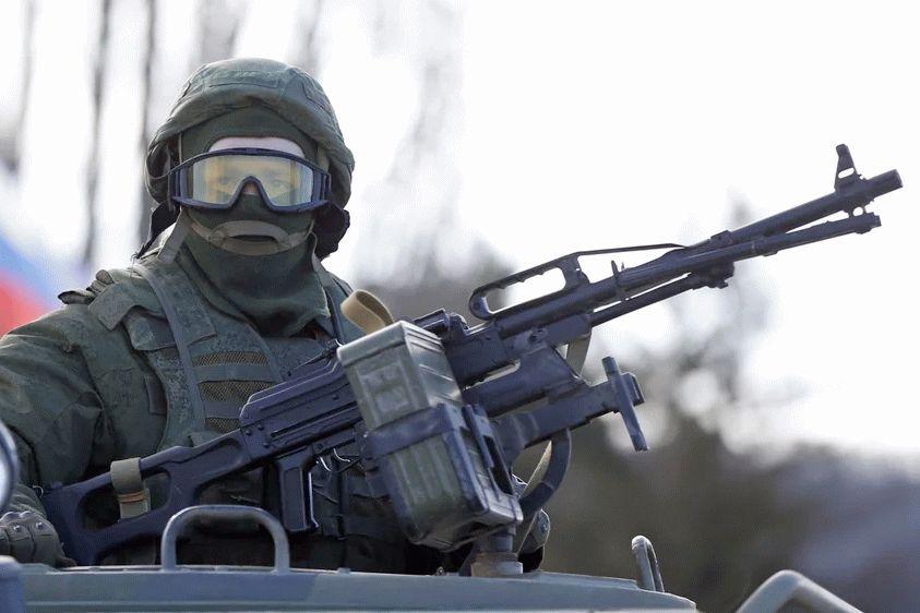 На границе с Украиной появились наступательные группировки войск РФ