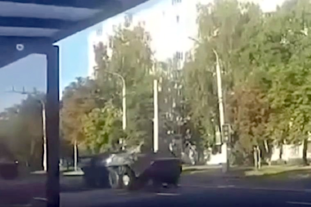 В Минск вошла колонна военной техники