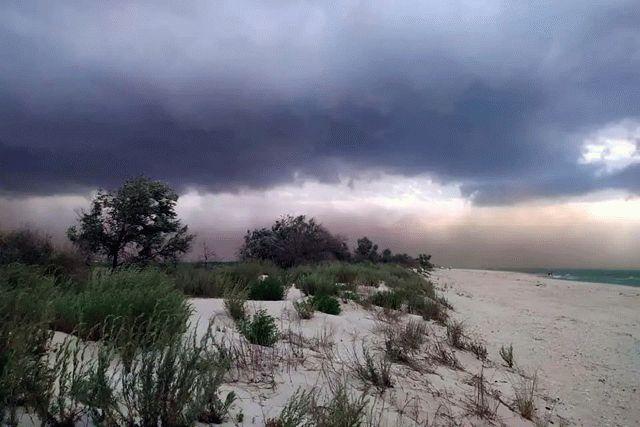 На популярном курорте под Одессой поднялась песчаная буря