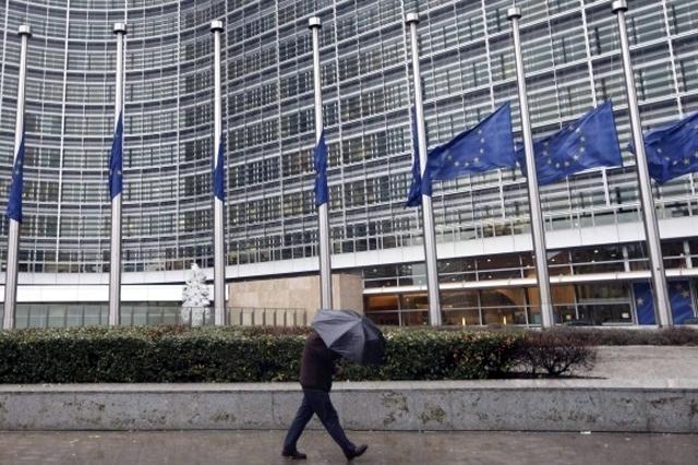 Украине из-за отставки Смолия могут заблокировать кредиты ЕС и МВФ