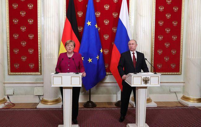 Меркель позвонила Путину из-за Украины
