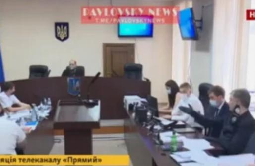 Появилось видео, как Порошенко просит отпустить прокурора в туалет