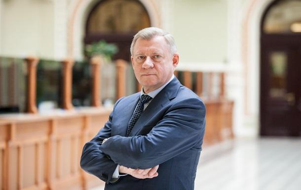 Глава НБУ подал в отставку из-за политического давления