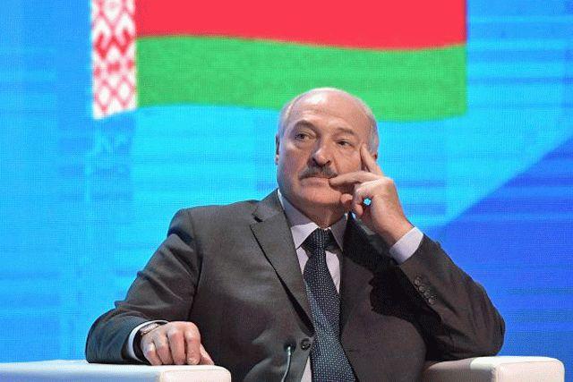 Лукашенко отдал армии приказ стрелять без предупреждения