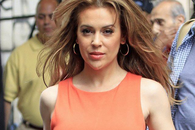 Актриса Алисса Милано начала лысеть после COVID-19