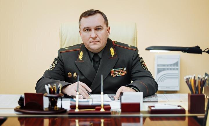 Министр обороны Беларуси готов использовать армию против протестующих